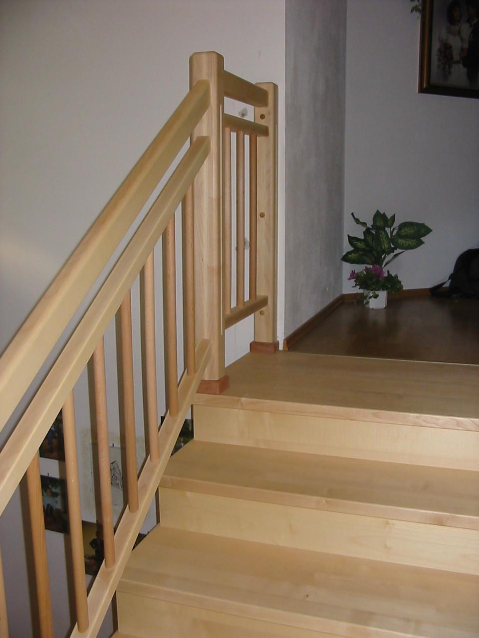 Treppen massiv